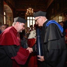 Uroczystość nadania tytułu doktora honoris causa dla prof. sir Leszka Borysiewicza na Uniwersytecie Jagiellońskim – ANGOS Tłumaczenia Kraków