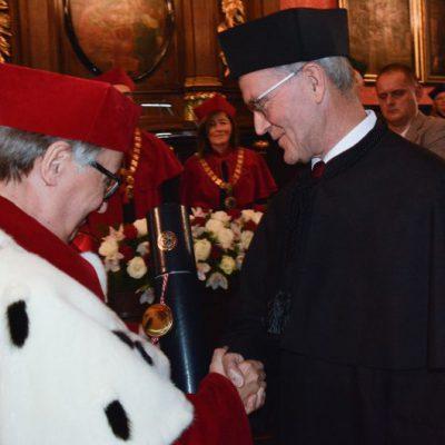 Nico van Straalen uhonorowany doktoratem honoris causa UJ – tłumaczenie symultaniczne ANGOS