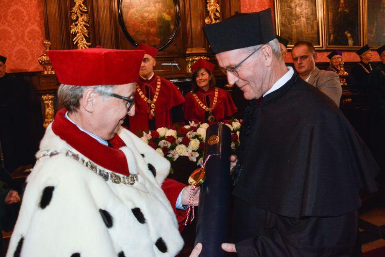 Nico van Straalen uhonorowany doktoratem honoris causa UJ